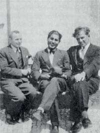 Strýc Tomáš (uprostřed) se spolužáky z práv