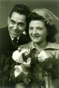 Svatební fotografie strýce - 6. listopadu 1948