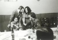 Paní Homolková na večírku