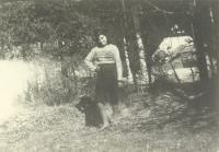 Emilie Machálková jako náctiletá