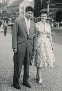 With his wife Elena, 1960
