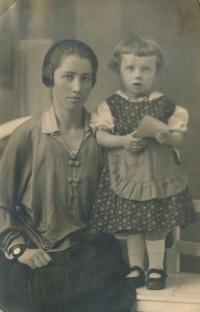 12 - cousin Jožka with her mother