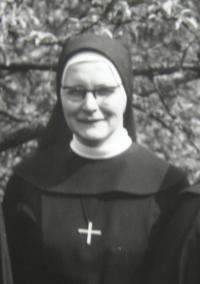 Sestra Pavla Křivánková v roce 1971