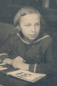 V páté třídě základní školy, 1938