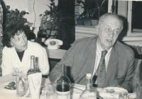 Jitka Malíková a akademikem Josefem Charvátem, 1978