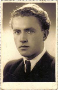Vladimír Brouček - maturant (1942)