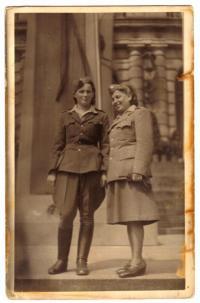 Maminka po válce (I)