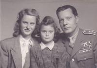 Pamětnice s manželem a dcerou Janou
