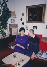1998 František Suchý se ženou v Plzni