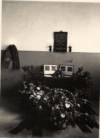 1955 Czech memorial plaque in the crematorium