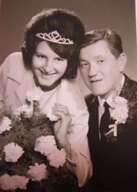 Svatební fotografie Márie a Josefa Čočkových z roku 1965