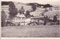 Dům rodiny Miloslava Vlčka po vypálení Javoříčka, který stál u silnice ke Střemeníčku