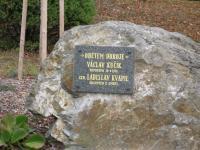 Památník obětem odboje v obci Obectov, Václav Kučík byl zatčen společně s pamětníkem a těsně před jeho soudem byl odsouzen k trestu smrti