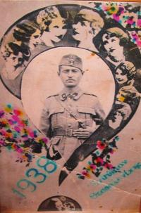 Otec pamětníka Kostas Charalambidis na vojně v Soluni v roce 1938
