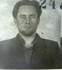 Vězeňská fotografie pana Hubačky