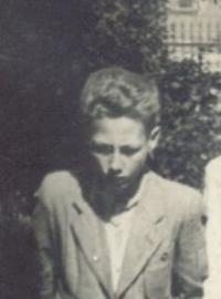 Čtrnáctiletý Ladislav Nykl (výřez z rodinné fotografie)