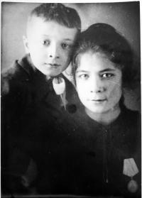 s bratrem - 1944 ?