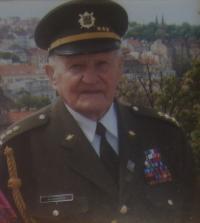 Mikuláš Vondráček