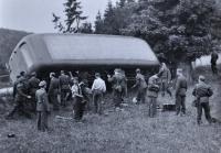 Havárie autobusu letecké akademie ve Spáleném kopci / poblíž Kralic / 1947