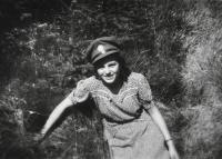 Přítelkyně Antonína Zelenky Blažena Zápotočná / Hradec Králové / 1947