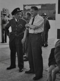 """Letec z Anglie Ladislav Flekal zvaný """"dědek"""" / Hradec Králové / 1945 - 1948"""