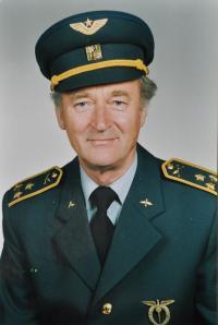 Antonín Zelenka / plukovník ve výslužbě / asi 90. léta