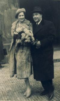 Svatba rodičů na jaře 1938