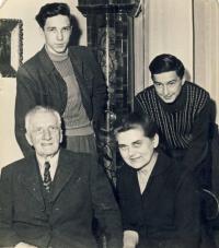 S dědečkem a jeho druhou manželkou Maruškou