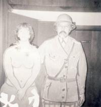 S manželkou na plese Dostavníku