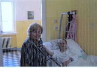 Matylda Klapalová s řádovou sestrou Marií Monikou
