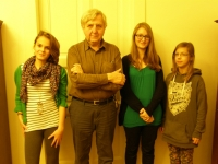 Pavel Bratinka během setkání se studenty