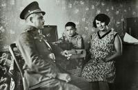 Karel Brhel s rodiči Františkem a Anežkou / rozenou Křendkovou / Opava / asi 1932