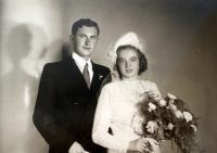 Svatební fotografie Stanislava Hylmara a Jarmily roz. Brandejsové