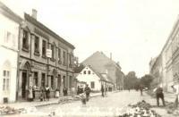 Havlíčkova ulice, r. 1923 – náš je malý bílý domek uprostřed snímku