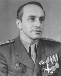 Generál Selner v uniformě