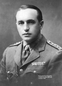 První fotografie jako plukovník