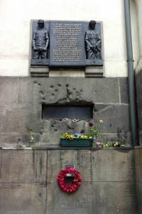 Okno krypty kostela sv.Cyrila a Metoděje