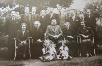 Padesáté narozeniny jimramovského strýce Richarda v roce 1941.