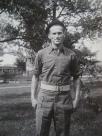 Bedřich Bejkovský, manžel paní Ruth Bejkovské, v Anglii během druhé světové války