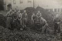 Českoslovenští vojáci v King's Lynn v Anglii v říjnu 1941