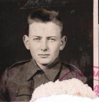 Cimala Jaroslav - foto z vojenské knížky