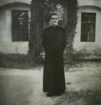 1970-kněz Václav Mašek v Moldavě