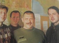 Společné foto s novináři po útěku Jaroslava Kulíška únoscům