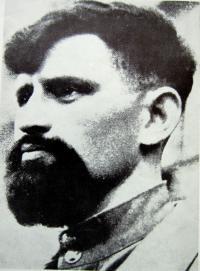 Dajan Bojanovič Murzin, kterého Tkáčovi zraněného ukrývali . V letech 1944–1945 byl velitel 1. partyzánské brigády Jana Žižky