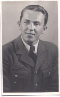 M. Černý v roce 1945