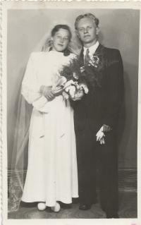Svatba s Miladou Vizinovou, květen 1946