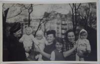 Hitler Čechy nevyhubí aneb odboj v ženském provedení