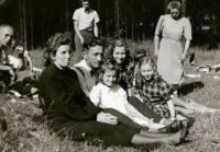 čermák při setkání na hranicích s rodinou asi rok 1942