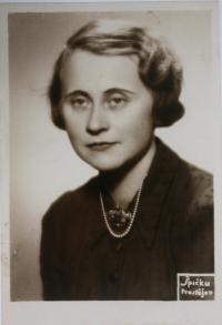 maminka Käthe Steiner Steckelmacherová