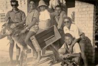 v kibucu Ginegar - 1949, Maud Beerová na oslíku